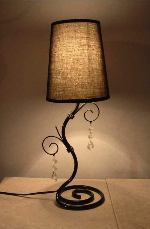 Simple Designs Twisted Vine Table Lamp